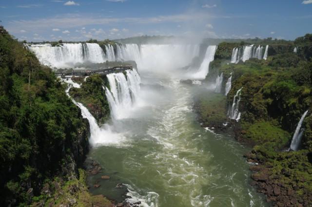 Hotéis de Foz do Iguaçu aderem campanha em prol do Turismo Rodoviário