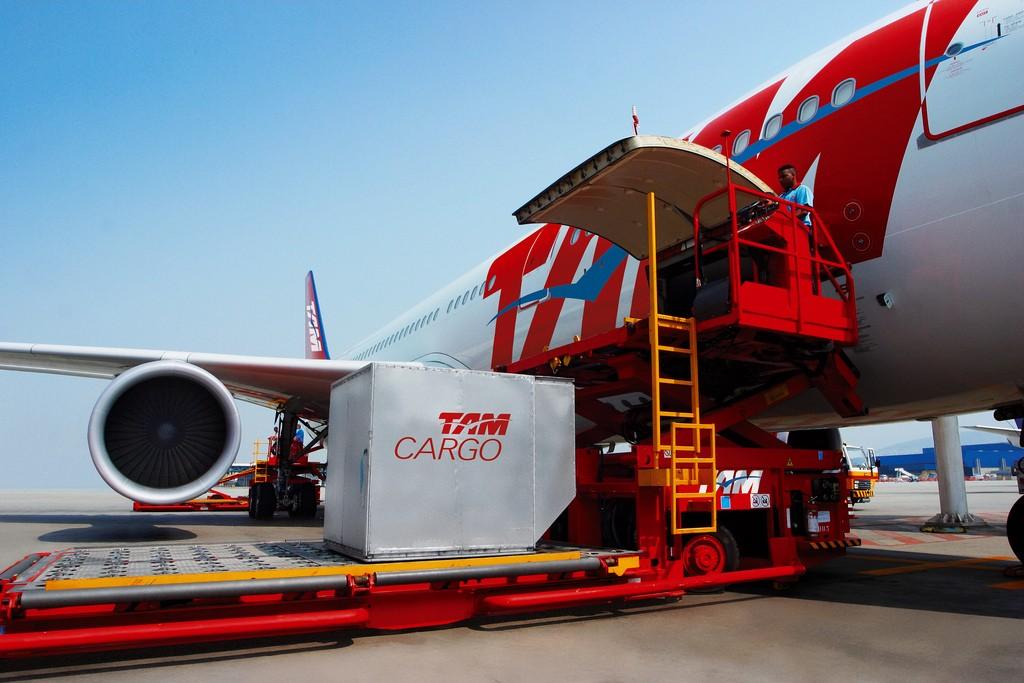 TAM Cargo inaugura reforma e ampliação do terminal de cargas em Uberlândia (MG)