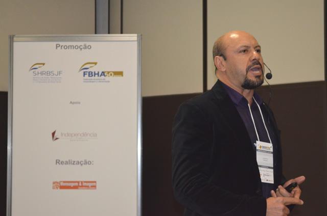 Acácio Pinto, Diretor da Vert Hotéis, palestrou na 11ª edição do Encontro da Hotelaria e Gastronomia Mineira
