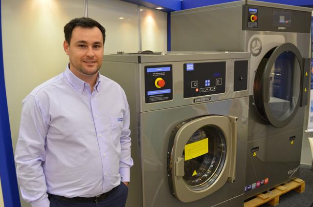 ENCATHO: Girbau apresenta lavadora extratora sustentável