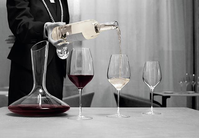 Hotéis investem em cartas de vinhos para atrair hóspedes