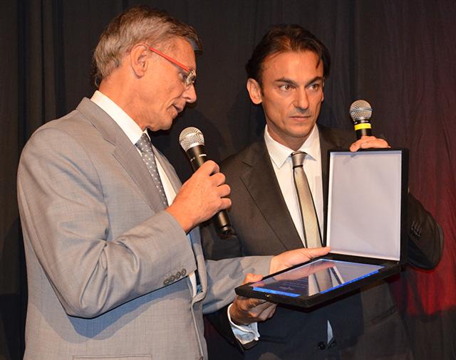 Accor promoveu festa para homenagear Roland de Bonadona que se aposentou