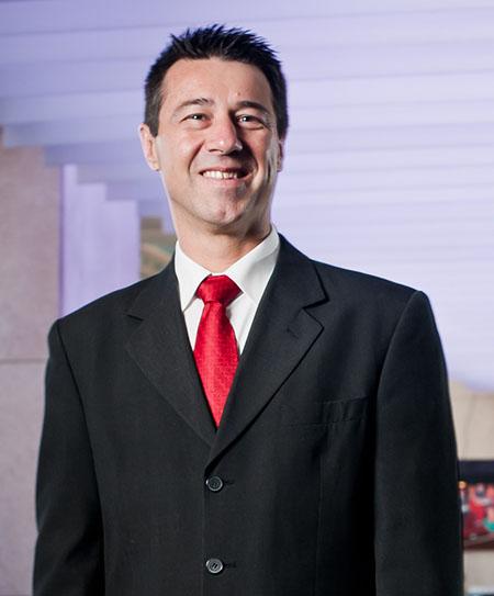 Carlos Bernardo é promovido a Gerente de Operações Midscale na AccorHotels