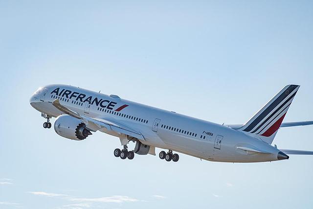 Air France e KLM buscam normalização da malha aérea