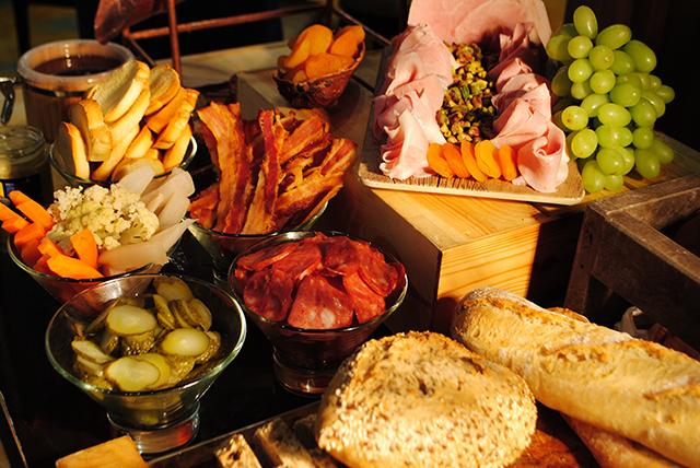 Hilton São Paulo Morumbi promove brunch de inverno com estação de raclette