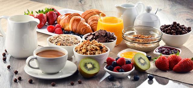 Café da manhã em hotéis é opção para sair da rotina