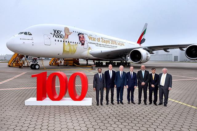 Emirates dá as boas-vindas a seu 100º A380