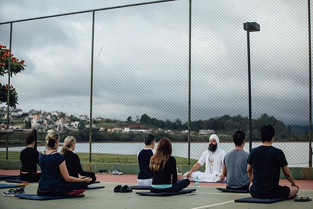 Hotel eSuites Alphaville Lagoa dos Ingleses (MG) passa a oferecer aulas de Yoga