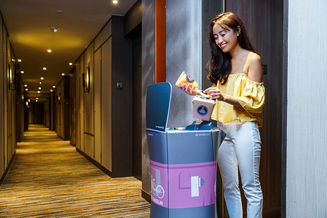 Conheça Jeno e Jena, os mordomos-robôs da Shangri-La Hotels and Resorts