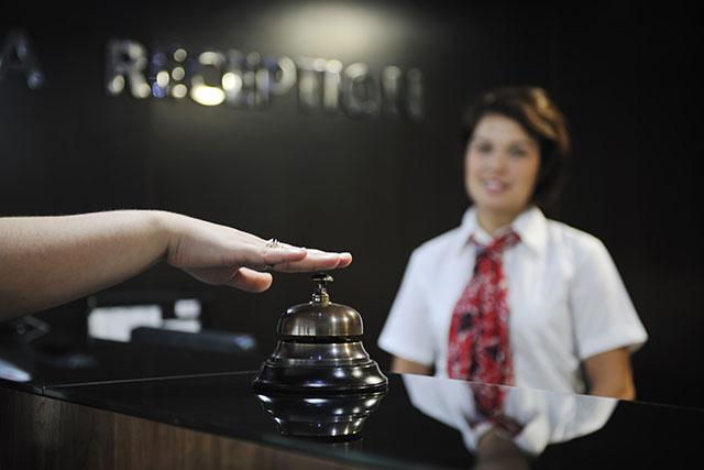Maksoud Plaza abre processo seletivo para recepcionista bilíngue