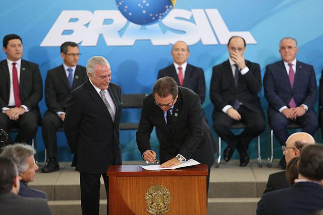 Vinicius Lummertz é empossado como novo Ministro do Turismo