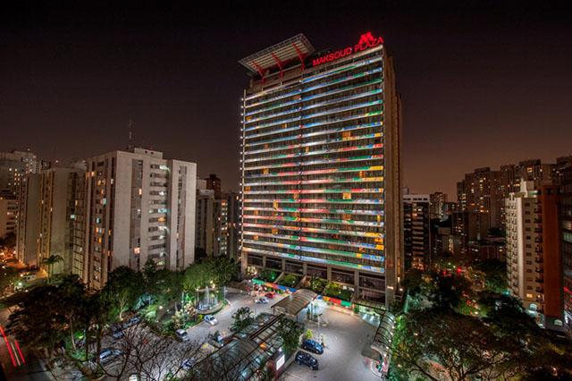 Maksoud Plaza exibirá campeonato mundial de futebol em telão especial