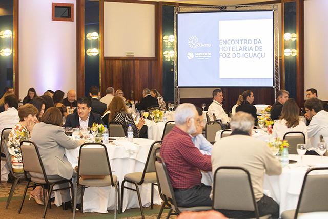 Sindhotéis de Foz e Visit Iguassu promovem encontro da hotelaria