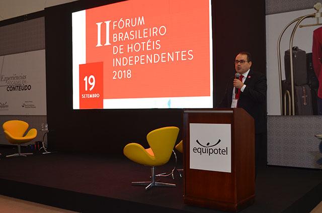 Como criar vantagens competitivas para o seu hotel com Roberto Bertino