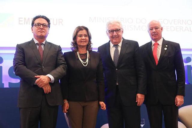 Embratur, MTur e Sebrae firmam convênio em prol das micro e pequenas empresas