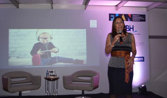 Inovação e criatividade são temas debatidos em palestra na feira HFN