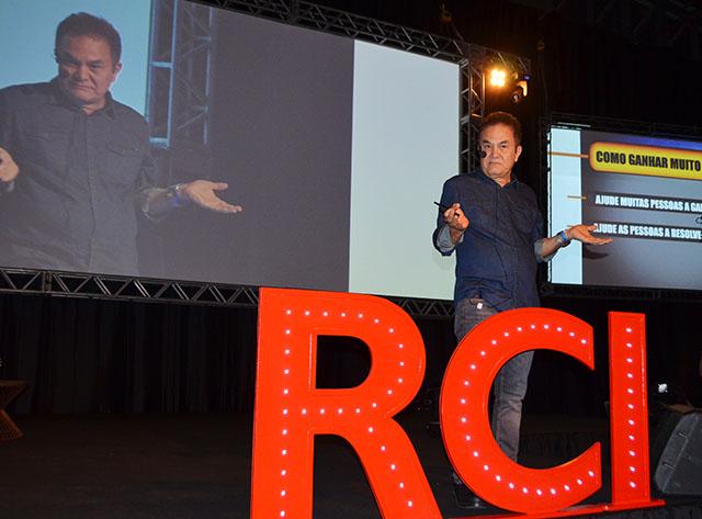 Roberto Shinyashiki abriu grade de palestras da 6ª edição do Top Seller Event