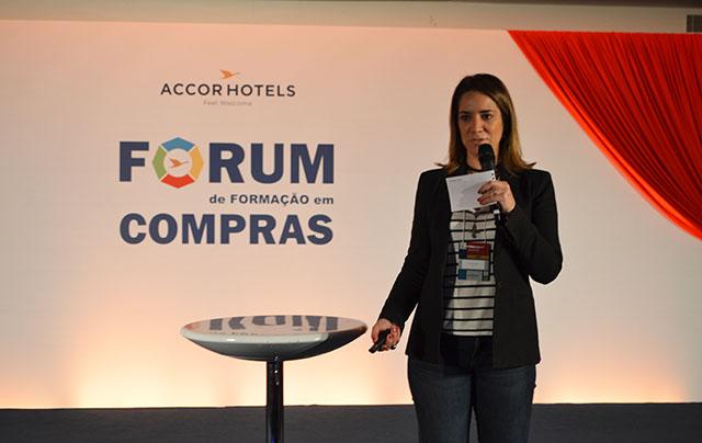Carolina Cabral palestrou sobre sinergia de vendas no Fórum de compras AccorHotels