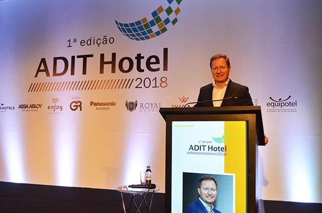 Paulo Mancio palestrou sobre tendências de Design e Arquitetura na Hotelaria