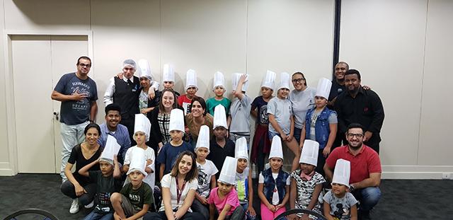 Radisson Paulista realiza ação social em benefícios de crianças carentes