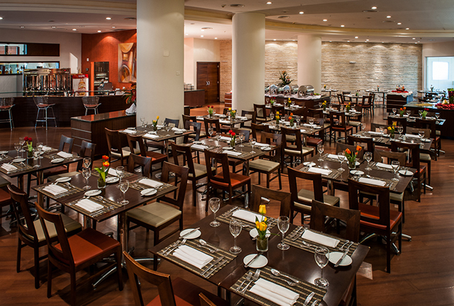 Restaurante do Bourbon Joinville Business Hotel passa por retrofit