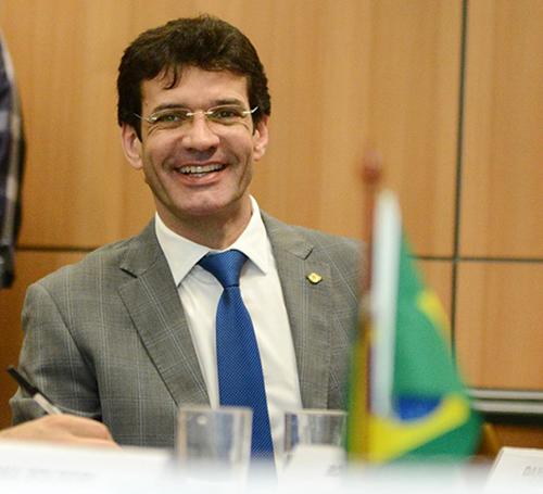Ministro do Turismo entrega ao Presidente Bolsonaro propostas para o setor