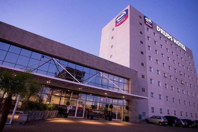 Druds Hotel (SP) aposta em combo de hospedagem, estacionamento e transfer