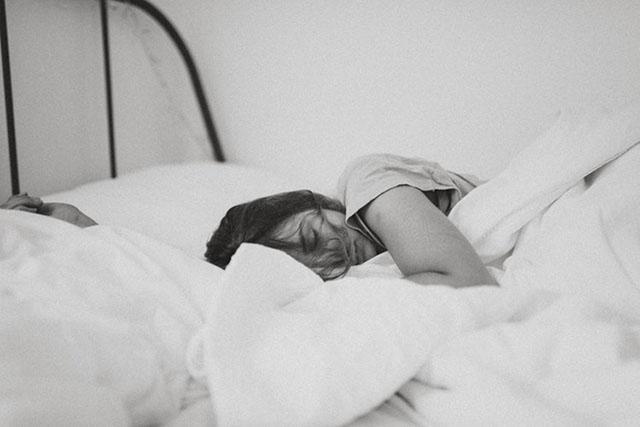 IHG revela que 80% dos viajantes sentem dificuldade para dormir fora de casa