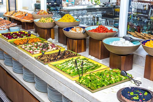 Belmond Copacabana Palace oferece brunch especial no restaurante Pérgula