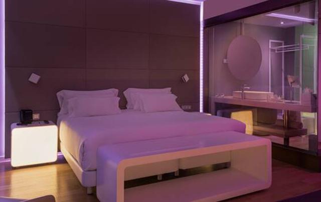 NH Hotels Group segue tendência de quartos inteligentes com The Mood Room