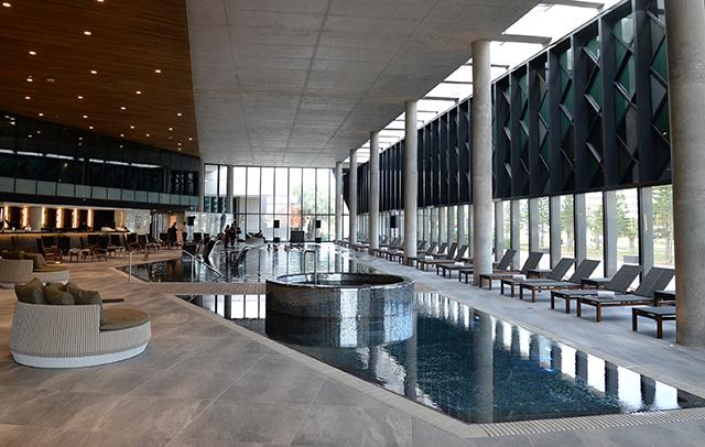 Enjoy Punta del Este inaugura piscina climatizada com 1.330 m²
