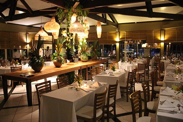 Porto Seguro Eco Bahia Hotel oficializa inauguração do Restaurante Aroeira