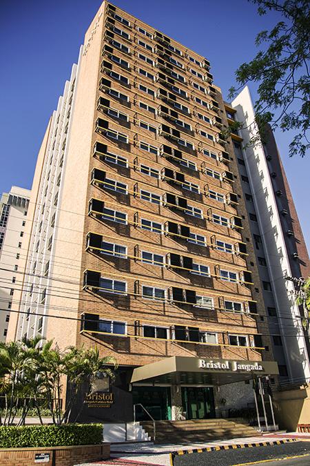 Jangada Fortaleza Hotel (CE) investe em janelas duplas para redução de ruídos