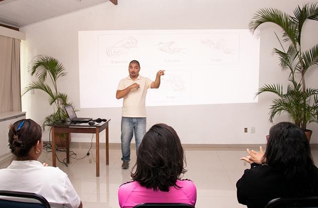 La Torre Resort (BA) promove curso de libras para colaboradores