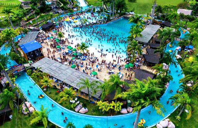 Aldeia das Águas Park Resort (RJ) promove ação para doação de agasalhos e mantas