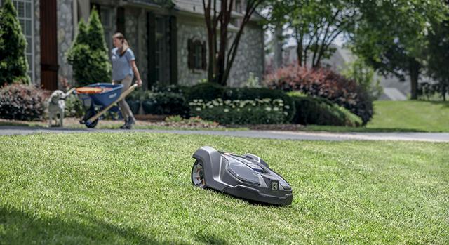Husqvarna apresenta o robô cortador de grama Automower na Equipotel 2019