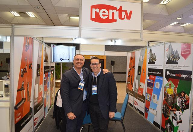 Rentv participa com sucesso do 32º Encatho & Exprotel