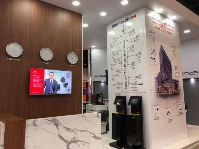 Dormakaba apresenta portas automáticas na Equipotel 2019
