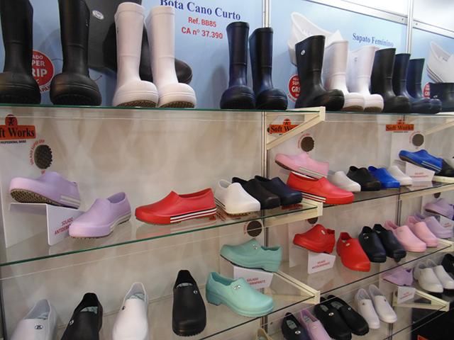Soft Works expõe na Equipotel sua linha de calçados antiderrapantes profissionais