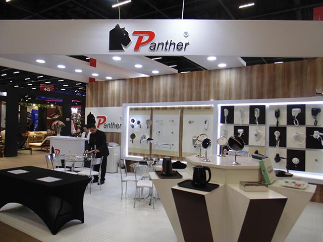 Panther apresenta mesa dobrável para eventos na 57ª edição da Equipotel
