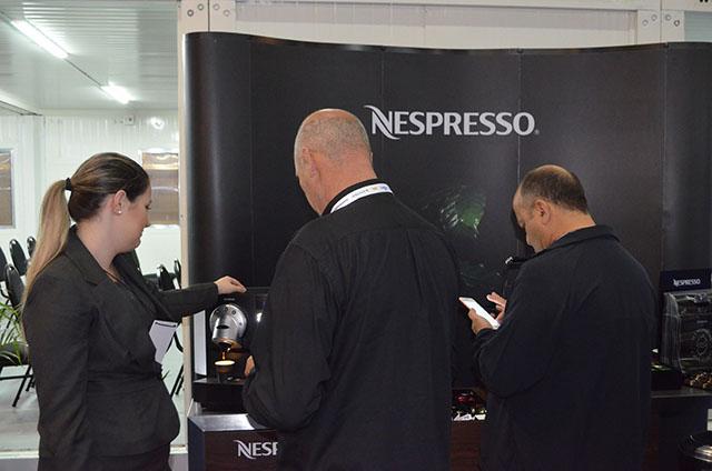 """Nespresso investe 9 milhões na marca Professional e lança linha """"Momento"""""""