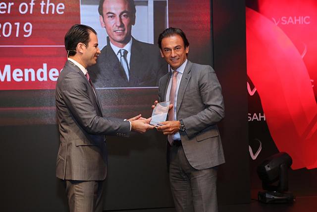CEO da Accor, Patrick Mendes, recebe prêmio de hoteleiro do ano no SAHIC 2019