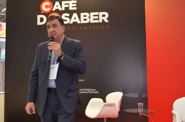 Jeferson Munhoz, da HotelCare, foi destaque do 3º dia de palestras na Equipotel