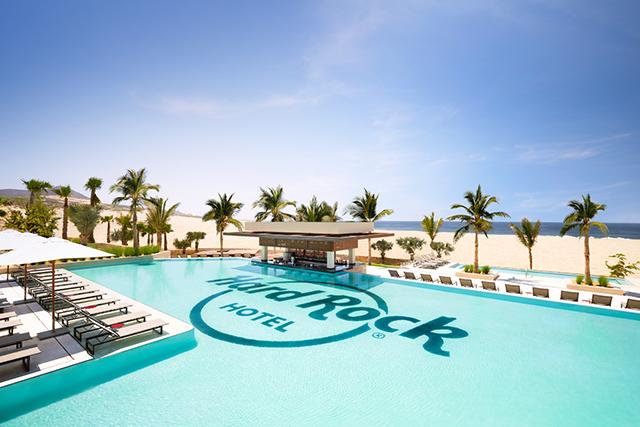 Hard Rock Hotel Los Cabos é inaugurado com show de Enrique Iglesias