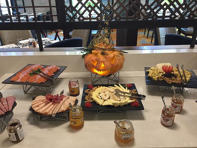 Hilton comemora Halloween com almoço temático no Armazem Morumbi