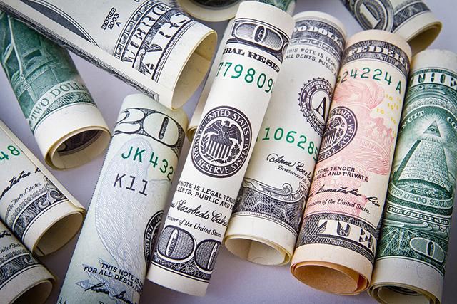 Pico do dólar motiva o turismo interno; veja os destinos mais procurados