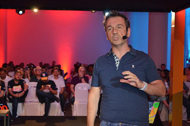 Palestra de Márcio Kumruian, fundador da Netshoes, encerrou a 7ª edição do Top Seller