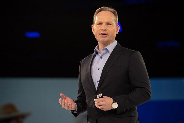 CEO do Expedia Group firma compromisso de inclusão e diversidade no trabalho
