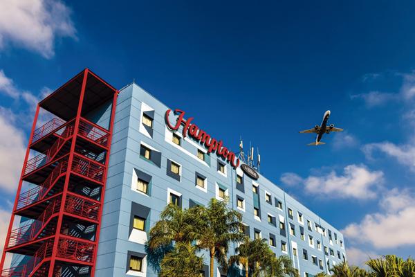 Primeiro hotel Hampton by Hilton chegou ao Brasil em Guarulhos (SP)