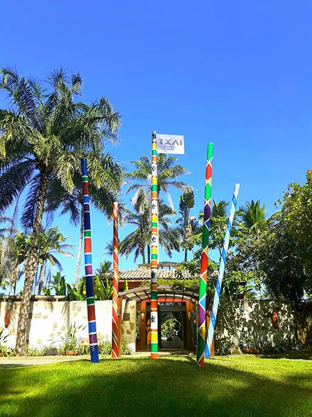 """Txai Resorts (BA) potencializa aura mística com """"Mastros Sagrados"""""""